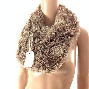 Simonetta New Women's Furry Neck Scarf Beige OS